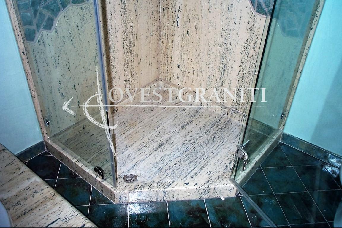Top Ovest Graniti - Piano Fiammato - Bagni in Altri Materiali JU51