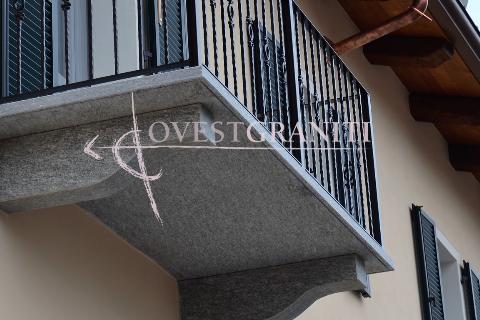 Modiglioni in pietra